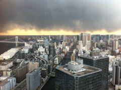 3.11人工地震直後、午後5時ごろの東京の空