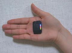 超小型GPS装置、6mm厚