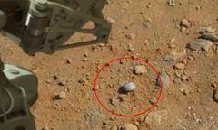 イリノイ州の砂漠にある「火星」という星からNASAのCURIOSITYが次々と素敵な人工物の写真を。