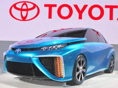 トヨタ 燃料電池車発売へ 世界初、12月にも