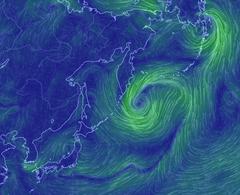 北海道東方沖:「謎の赤い輝き」の海域。現在、巨大な風の渦巻き。