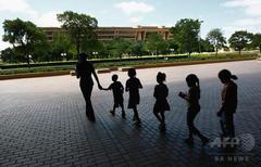 米国の子ども30人に1人がホームレス経験