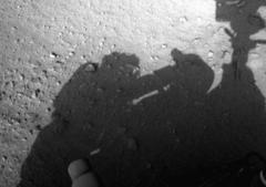 火星でノーヘルで修理作業する人間