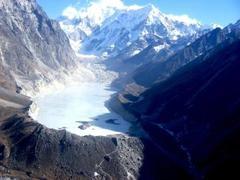 ●ネパール山間部で地滑り、土石流警戒で住民数千人が避難